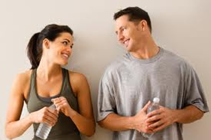 Bk5k1onoq7w2kqooadds guy%20and%20girl%20talking%20at%20gym