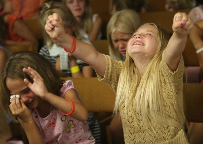 D4zlmuufqd2vdorli15d children worship