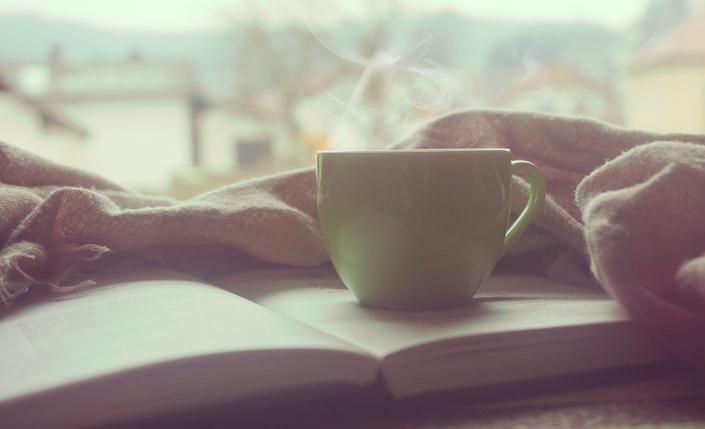 Fwmcfxleqcc6q92b5tx2 book%20and%20coffee