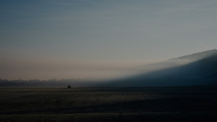 Rrf29roriqdnuwm6dzvv bg mist landscape